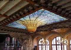 Suspended glass (chriskatsie) Tags: palais musique catalan verre glass plafond ceiling palau musica beam