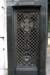 Metal railing on a tomb (VinayakH) Tags: tombs tomb recoletacemetery recoleta larecoletacemetery cemetery buenosaires graves argentina latinamerica southamerica mausoleum artnouveau artdeco neogothic baroque architecture