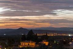 Una tarde mas (Aristides Daz) Tags: noche luces urbanas nubes coloreadas atardecer ocaso vega de granada