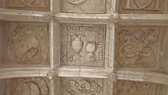 DSCF9059 Chteau de Dampierre-sur-Boutonne (Charente-Maritime) (Thomas The Baguette) Tags: chteau dampierresurboutonne charentemaritime france jardin garden sexyguy castle motto labyrinthe maze hedges arches vaults kittens zombies halloween mosaic moat forest park