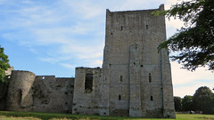 Portchester, Hampshire -England (Mic V.) Tags: portchester castle hampshire hants england great britain gb uk united kingdom chateau medieval moyen age fortress history building architecture