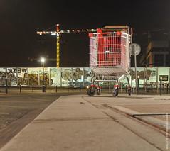 Gare de Val de Fontenay (Fontenay-sous-Bois - Officiel) Tags: fontenay fontenaysousbois regionparisienne valdemarne iledefrance 94 94120 valdefontenay charriot caddie grue nocture nuit