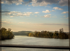 le Rhne vu du Pont de Grole (chapuis_sophie) Tags: pontdegrosle nuageux rhnealpes isre hiver soleil dauphin 2016 nuages novembre pont sun winter rhne fleuve