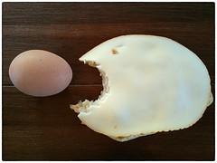 My breakfast is alive! (PLADIR) Tags: samsung cellphone note4 breakfast frhstck ei egg kse cheese spas spass fun fish fisch bread brot rund