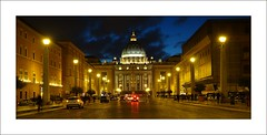 Sunset in Rome (Christian_from_Berlin) Tags: italien vacation italy rome roma dom sony urlaub bluehour rom ferien petersdom stpietro sonycompactcamera saariysqualitypicturesgallery sonyrx100 sonyrx100m2