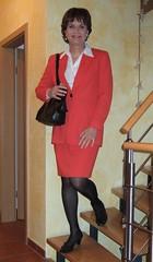 Secretary skirtsuit (Marie-Christine.TV) Tags: lady pumps feminine transvestite secretary businesssuit kostm mariechristine skirtsuit courtshoes sekretrin