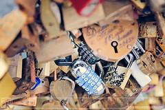 Love in Paris (Paco Jareo Zafra) Tags: paris love puente amor padlock je llave cerradura taime enamorados candados