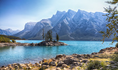 A View That Dreams Are Made Of (AnyMotion) Tags: peninsula halbinsel lakeminnewanka lake see trees bume mountains berge sky himmel 2016 anymotion reisen travel canada kanada banffnationalpark banff alberta 6d canoneos6d colours colors farben landscape landschaft landschaftsaufnahmen ngc npc