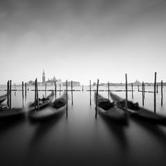 _MG_4774 (ruben redondo...) Tags: venecia monocromo agua gondolas palos cielo