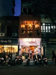 #hanoi #cafe #parking #moto #vscocam #vietnam #streetphotography #streets #streetlife #oldquarter (zhop86) Tags: hanoi cafe parking moto vscocam vietnam streetphotography streets streetlife oldquarter