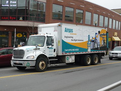 Freightliner M2 (JLaw45) Tags: massachusetts mass united states boston beantown new england newengland urban metro road street northeast america state north metropolis vehicle metropolitan area usa motor wheel unitedstates motorvehicle bostonmetroarea greaterboston freightliner freightlinerm2 m2 rigid 6x4 daimler americantruck lorry americanlorry commercial delivery distribution boxtruck