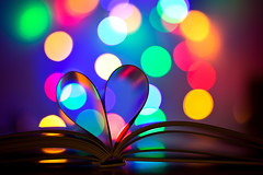 for all are in love (mad_airbrush) Tags: 5d 5dmarkiii 135mm ef135mmf2lusm bokeh heart herz colors bunt book buch romantisch romantic colorful