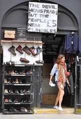Plimsole Person ! (jaykay72) Tags: street uk london candid streetphotography londonist cheshirestreet stphotographia