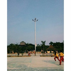 #Repost Picture by @kucinggawl Selamat Pagi... Mimin jadi inget dulu, kalau jam pelajaran olahraga kadang praktek olahraganya di alun-alun  #semangatpagi #selamatpagi #goodmorning #jumatbarokah #jumuah #kotaserang #serang #Banten #Indonesia . http:/ (kotaserang) Tags: by indonesia picture di  jam goodmorning dulu pagi repost selamat jadi serang olahraga inget alunalun mimin praktek banten pelajaran kalau kadang jumuah selamatpagi kotaserang instagram ifttt semangatpagi httpwwwkotaserangcom jumatbarokah kucinggawl olahraganya