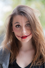 Field of Screams fright in the daylight (*~fer~*) Tags: halloween canon makeup hauntedhouse fakeblood specialeffectsmakeup fieldofscreams halloweenmakeup horrormakeup hauntedcornmaze 5dc canon5dc