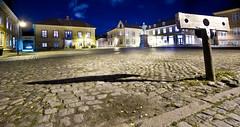 Midnight minus fifty minutes: Town square with pillory (iharsten) Tags: oktober norway night october nightshot oldtown gamlebyen townsquare fredrikstad gapestokk pillory frederikii