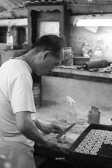 pastelaria (acha191) Tags: bw white black canon eos baker pentax takumar 55mm f2 smc pastelaria acha 6d 255 acha191 ach2015