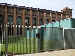 Torre de les Aiges - Biblioteca de la UPF (heraldeixample) Tags: barcelona espaa spain library bcn catalonia biblioteca catalunya catalua ciutadella catalogna espanya catalogne upf torredelesaiges universitatpompeufabra albertdelahoz heraldeixample