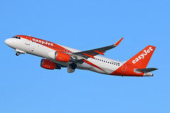 "G-EZOO Airbus A.320-214SL easyJet MAN 20-12-15 (PlanecrazyUK) Tags: man manchester easyjet ringway egcc airport"" ""manchester 201215 airbusa320214sl gezoo"