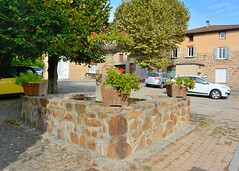 Haute-Rivoire (Rhne) (Cletus Awreetus) Tags: france montsdulyonnais rhne hauterivoire architecture fontaine