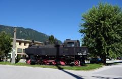 Steam locomotive display_Schwarzach-St Veit_Austria_270816_01 (DS 90008) Tags: steam locomotive steamlok steamloco railway station engineering staticdisplay austria austrian train building europeanrailway obb