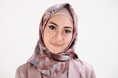 DSCF4423 (bumb2kid) Tags: model fashion hijab xf35mm xf35mmf2 xf35wr