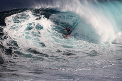 IMG_1742 copy (Aaron Lynton) Tags: surfing lyntonproductions canon 7d maui hawaii surf peahi jaws wsl big wave xxl