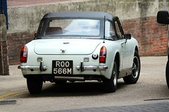 ROO 566M (Nivek.Old.Gold) Tags: 1974 mg midget 1275cc rwa