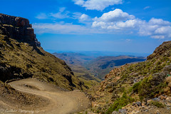 Sani pass (jeroenknol81) Tags: d5200 sigma nikon sanipass sa za southafrica zuidafrika afrika nature mountain berg natuur clouds wolken road weg outdoor