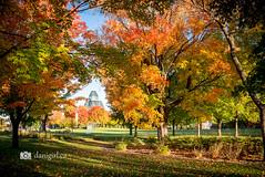 Parliament Hill in Ottawa on an autumn morning (Dani_Girl) Tags: ottawa parliamenthill autumn downtown