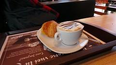 Stile italiano (Carlo Arrigoni) Tags: carloarrigoni ekgc100 colazione italy italia 2016 breakfast