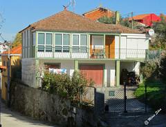 guas Frias (Chaves) - ... casa  na Aldeia, na rua Central ... (Mrio Silva) Tags: guasfrias aldeia chaves trsomontes portugal ilustrarportugal madeinportugal mriosilva lumbudus novembro outono 2016 casa casas