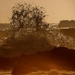 Cuttagee cauldron (OzzRod) Tags: pentax k1 sigmadg120400mmf4556apohsm sigmaapoteleconverter2xexdg ocean sea waves surge spray splash dawn intothesun rocks beach square pentaxart