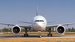 A6-ENJ Emirates Boeing 777-31H(ER) - cn 35605 (Sri_AT72 (Sriram Hariharan Photography)) Tags: emirates boeing 777 77w 777300er 77731her a6enj bengaluru international airport bial blr vobl kia kempegowda plane spotting aviation photography passion airside november head