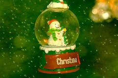 Small Snow Globe With Snowman Snowflake Textured 002 (Chrisser) Tags: christmas decorations decoration snowmen snowman snowglobes snowglobe ontario canada canoneosrebelt1i canonefs60mmf28macrousmprimelens specialholidays backgroundfromparee pareeericastextureextravaganza ipiccy itsanaddiction