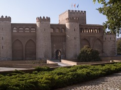 Aljafera (Cristina Ovede) Tags: edificio palacio aljafera zaragoza olympus olympusphotography