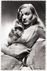 Veronica Lake in This Gun for Hire (1942) (Truus, Bob & Jan too!) Tags: veronicalake veronica lake actress american 1940s moviestar hollywood filmstar starlet glamour allure sexsymbol bombshell blonde idol cinema film kino cine picture screen movie movies filmster star vintage postcard carte postale cartolina tarjet postal postkarte briefkarte ansichtskarte postkaart briefkaart ansichtkaart pi paramount georgehurrell george hurrell thisgunforhire 1942 peekaboo filmnoir femmefatale