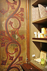bookshop  Lello & Irmao (MiChaH) Tags: holiday vakantie citytrip porto portugal 2016 september city stad bookshop boekenwinkel lello lelloirmao old oud museum houtsnijwerk