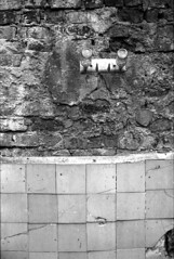0012tmax400-praktica-oreston-hydrofen-norm (Moryc Welt) Tags: oreston50 kodaktmax400 asa400 diy homemadesoup hydrofen w17 n10 praktical epsonv600 iscanforlinux gimp