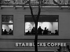 starbucks coffee (heinzkren) Tags: wien vienna mariahilferstrase coffe starbucks cafe fenster baum tree window kaffeehauss gastronomie gastro gäste evening abend stimmung abendstimmung beleuchtung jugendstil balkon artnouveau geländer silhouette people