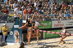 PG0O3646_R.Varadi_R.Varadi (Robi33) Tags: show summer game sport ball court switzerland sand play action competition basel victory player beachvolleyball international block umpire viewers