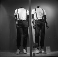 Synth fashion #2 (A.Sundell) Tags: street old 6x6 tlr film vintage square blackwhite shadows superb kodak sweden bokeh tmax voigtlander streetphotography swedish d76 german synth futurism uppsala epson medium format sverige analogue v600 mode voigtländer tmax100 twinlensreflex westgermany skopar gammal mannekin fixer uppland fashin bauhouse gatufoto uppsalalän voiglaender epsonv600 tmaxfix voigtländersuperb
