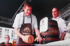 Heilbronn - Tapping a Beer Keg (roger4336) Tags: beer germany deutschland wooden barrel bier mallet keg heilbronn badenwrttemberg 2015 wrttemberg badmergentheim badenwruttemberg herbsthuser herbsthauser