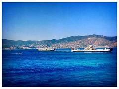 Pesce grande mangia pesce piccolo.. (Cialtrone) Tags: sea italy boat italia mare blu nave navi sicilia paesaggio messina traghetto caronte stretto noponte sicula villasangiovanni flickrsicilia