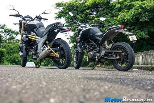 Mahindra-Mojo-vs-KTM-Duke-200-07