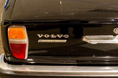 Volvo classic (trankoket) Tags: design volvo bil krom overdrive blinkers klassiker veteranbil detalj baklucka nyckelhl volvo140 bakljus kofngare