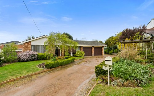 2 Paul Crescent, Moss Vale NSW 2577