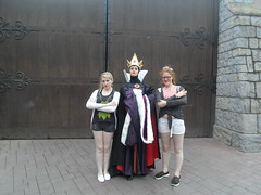 Disneyland Paris 2016 (Elysia in Wonderland) Tags: disneyland paris disney france theme park joe elysia lucy holiday 2016 character meet greet evil queen villain snow white