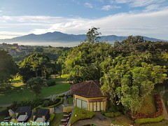 View of San Jos Mountains Range from the Marriott San Jos, Costa Rica (ssspnnn) Tags: paisaje montaa landscape mountainrange sanjose costarica marriott hotel spnunes nunes snunes spereiranunes pintoresco paisagem