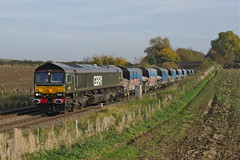 66779 Rushton (Gridboy56) Tags: rushton northamptonshire emd england europe gm railways railroad railfreight trains train locomotive locomotives neasden bardon bardonhill class66 66779 eveningstar 6m32 outdoor